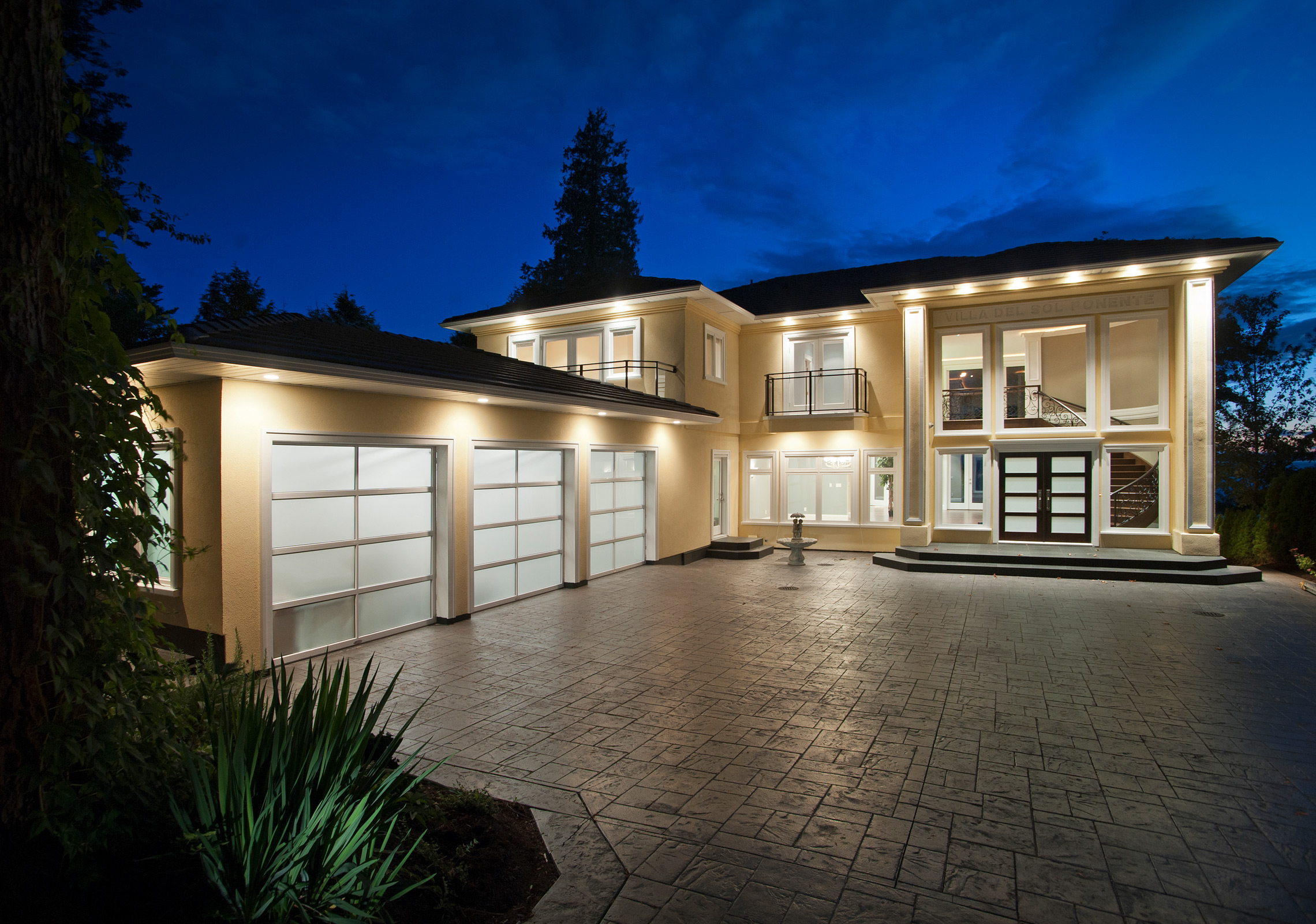 Villa Del Sol Ponente, South Surrey. Custom build by Tuscan Developments.