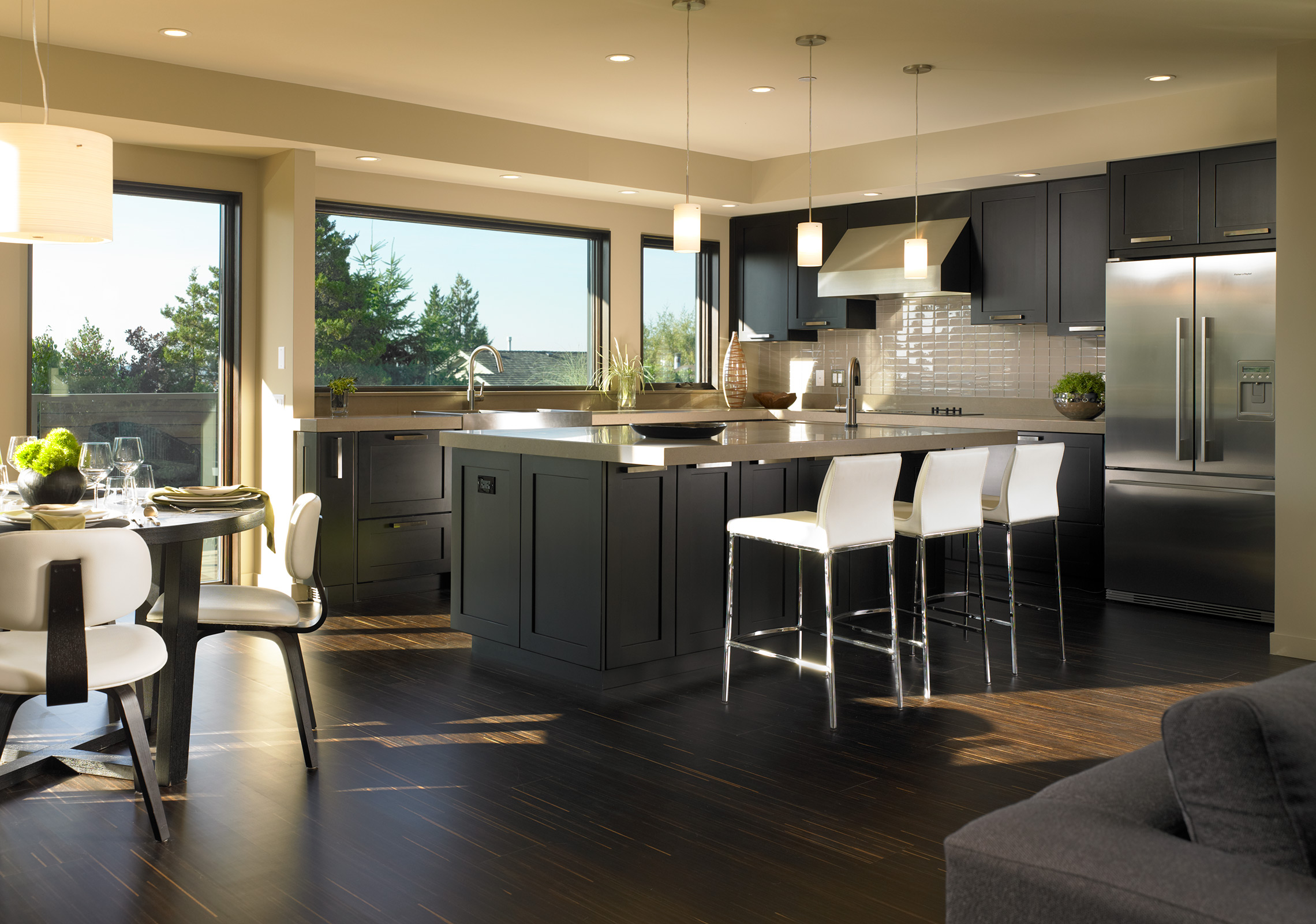 modern cedar homes built using lindal homes building systems